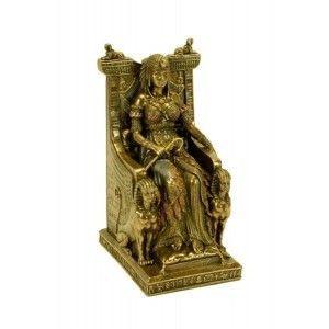 Figura reina egipcia sentada en trono