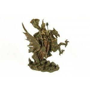 Figura mujer en dragón