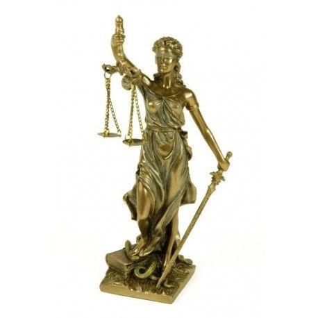 Figura de la Justicia pequeña