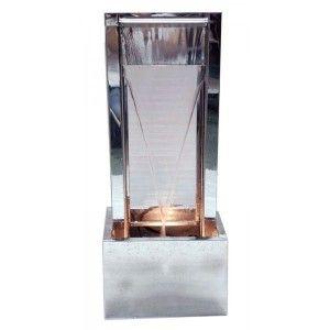 Fuente de metal con cristal